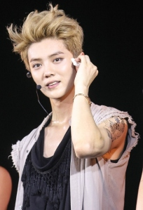 Luhan_at_the_EXO_The_Lost_Planet_in_Jakarta_06